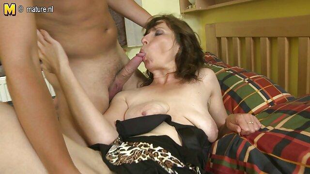 ShootOurSelf - Un jeune couple baise pour la porno fille arabe vierge caméra dans leur maison